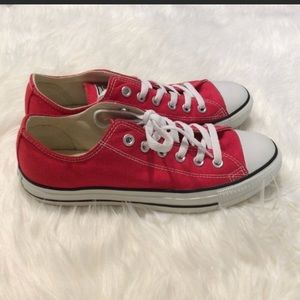 • Red Converse •